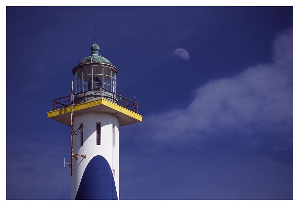 Leuchtturm & Mond