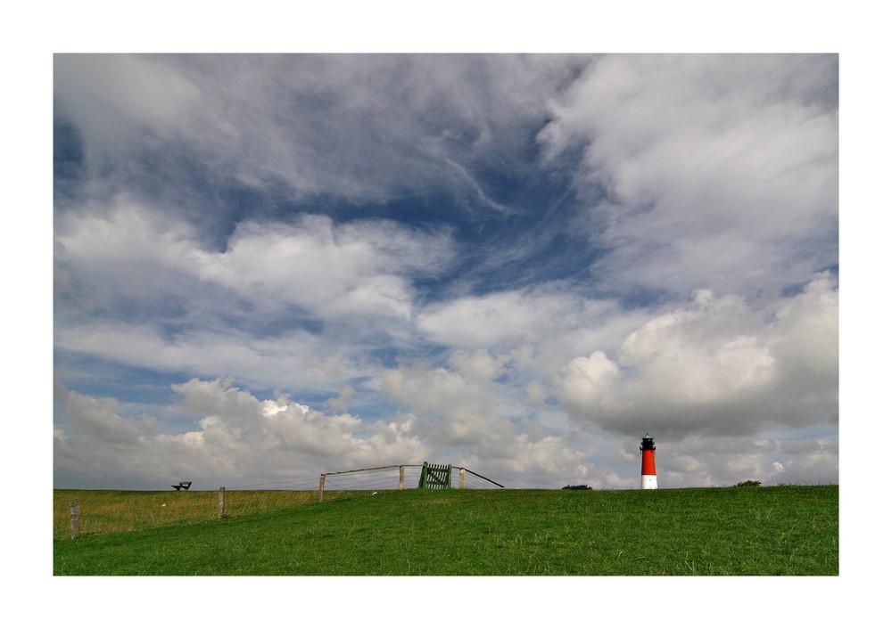 Leuchtturm Pellworm mit viel Himmel