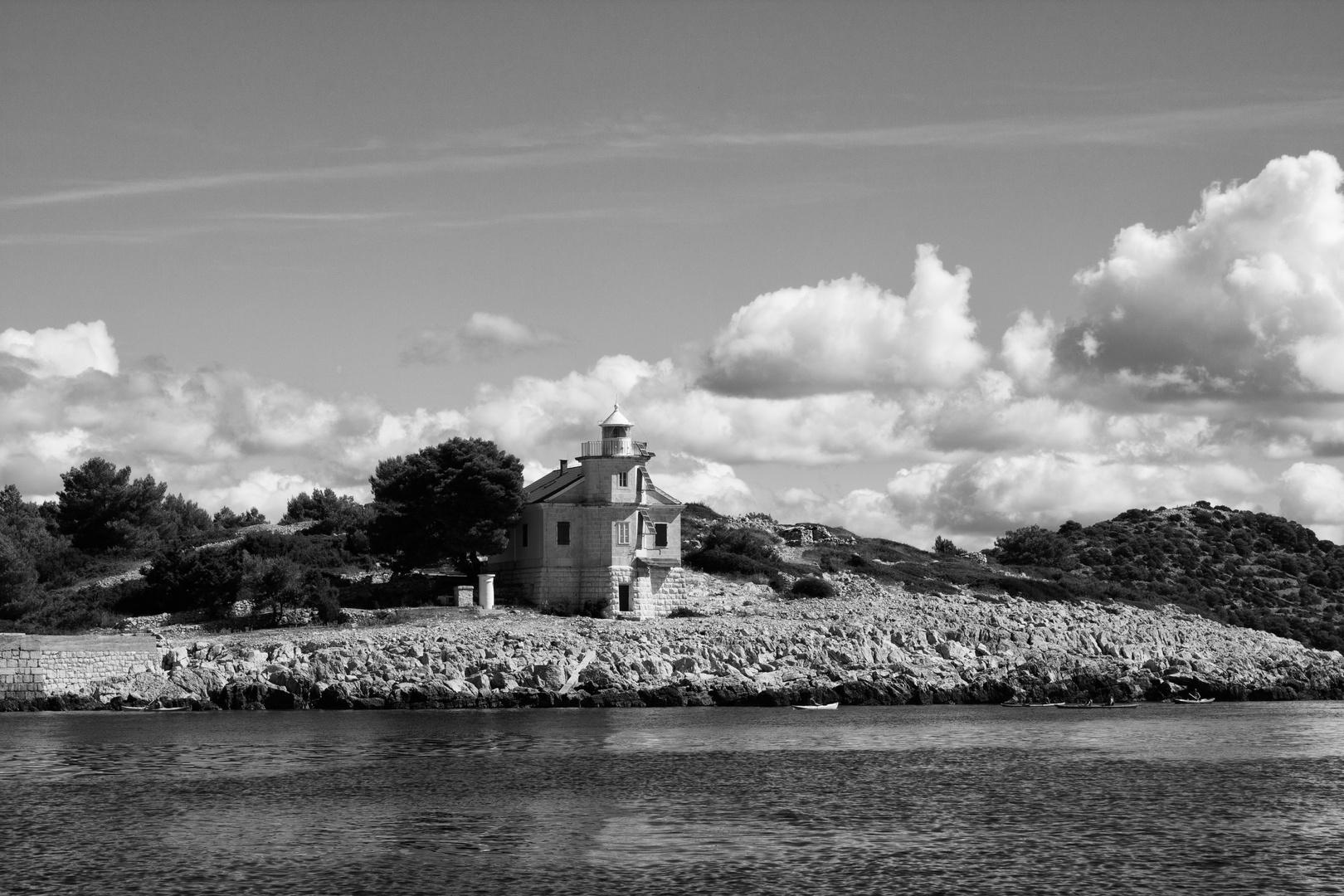 Leuchtturm Prisnjak vor der Insel Murter