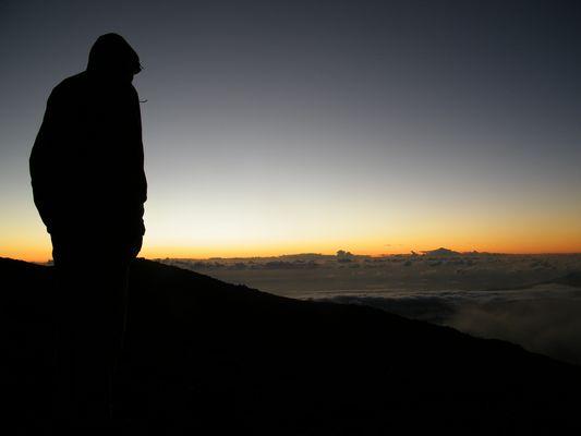 Levé du soleil sur le piton des neiges (Réunion)