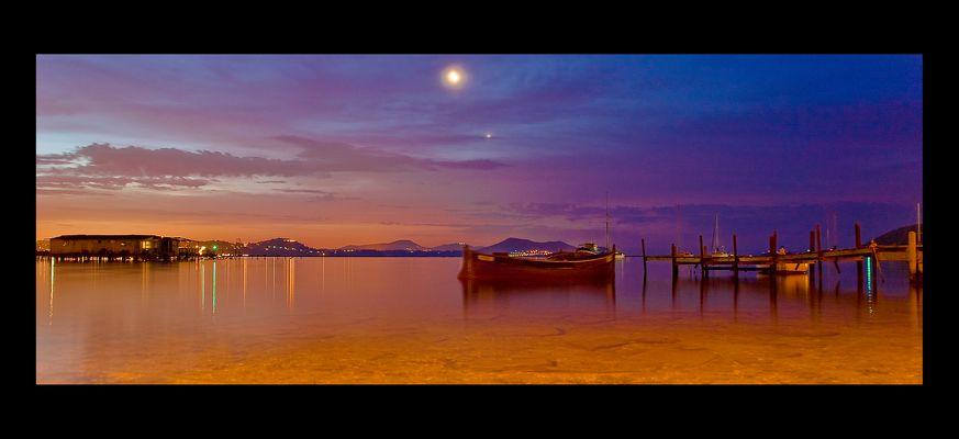 lever de soleil sur la rade de toulon