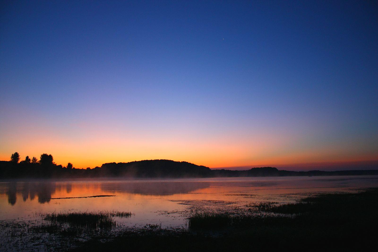 Lever de soleil sur le lac de Michelbach