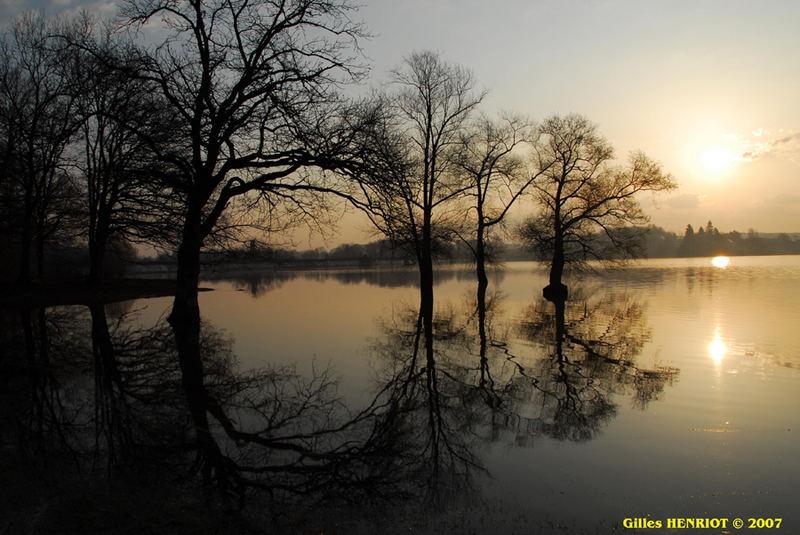 Lever de soleil sur l'étang de Bouzey