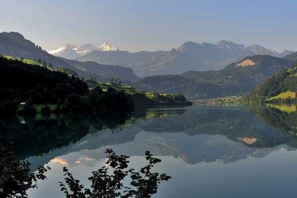 Lever du jour au lac Lungern
