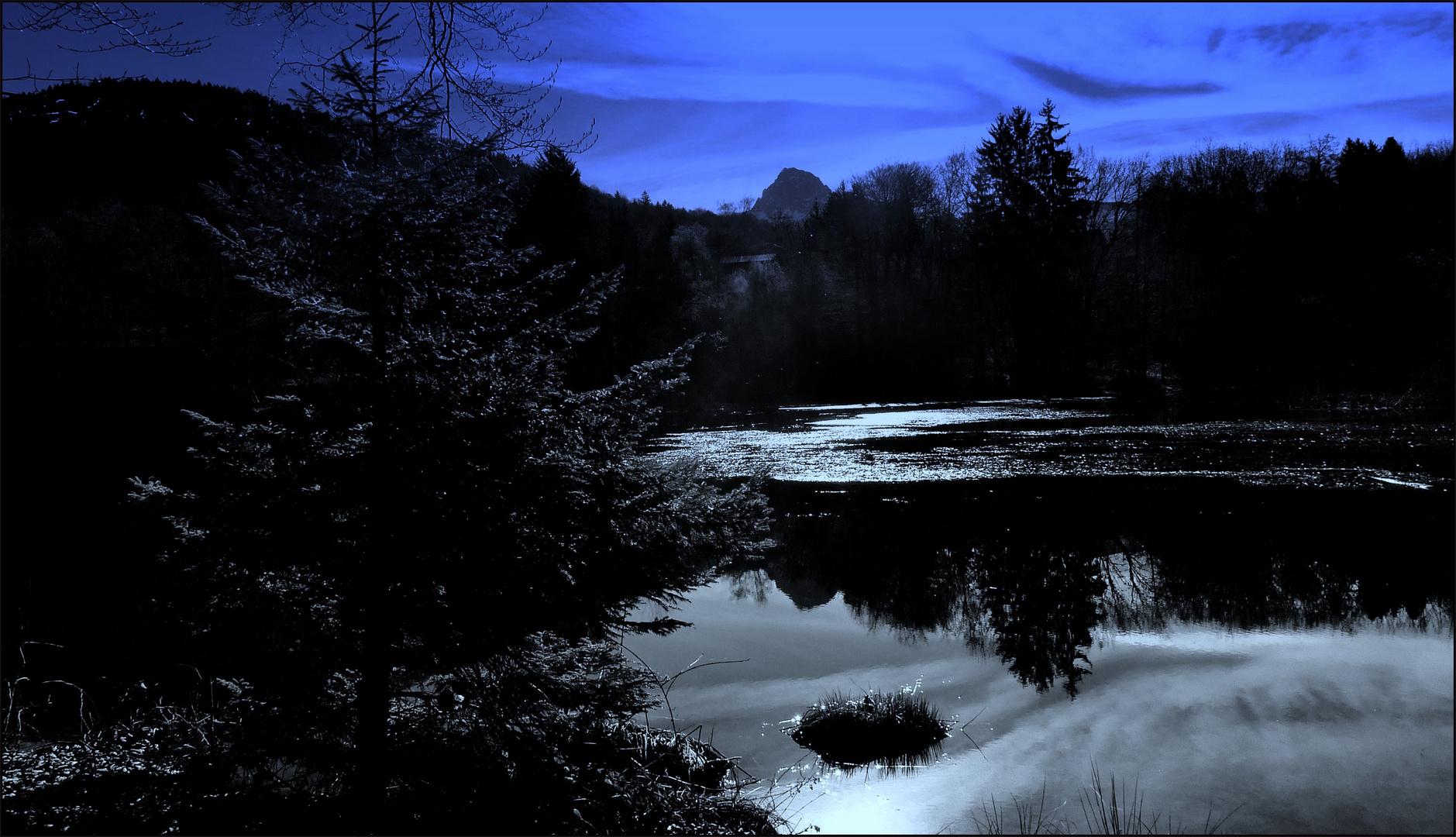 lever du jour sur le lac de la Beunaz