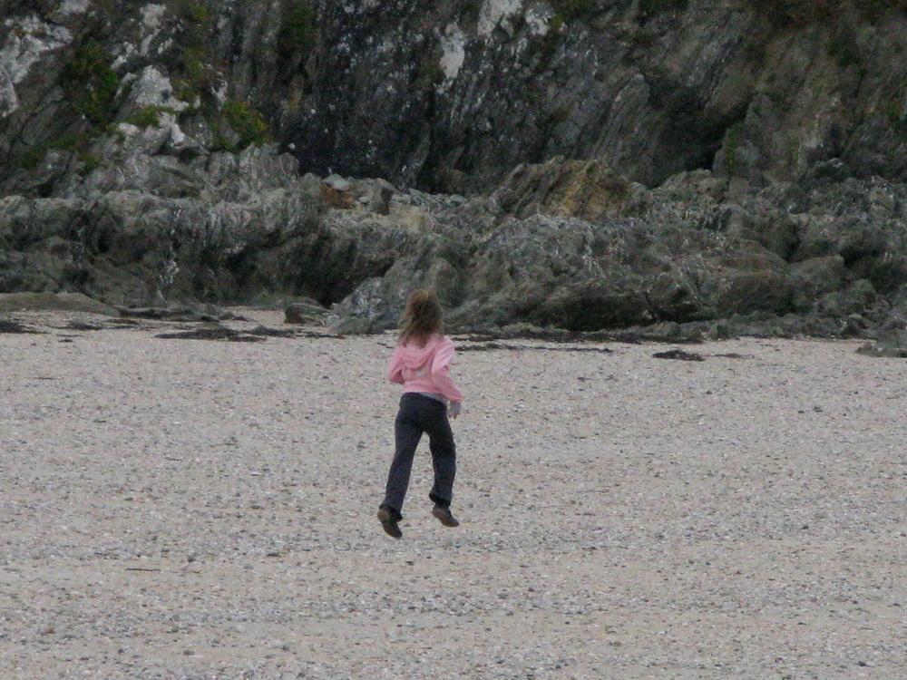 levitaion on the beach