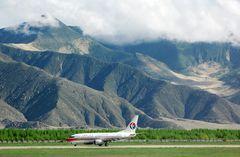 Lhasa Airport in 3800 Meter Höhe