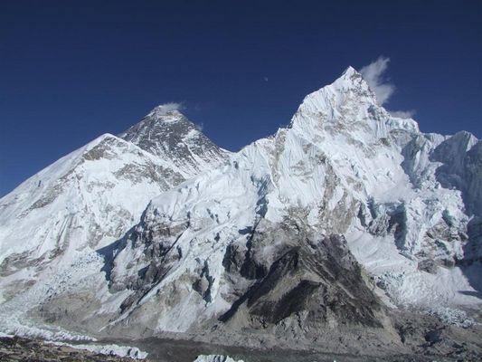 Lhola, Mt. Everest und Nuptse