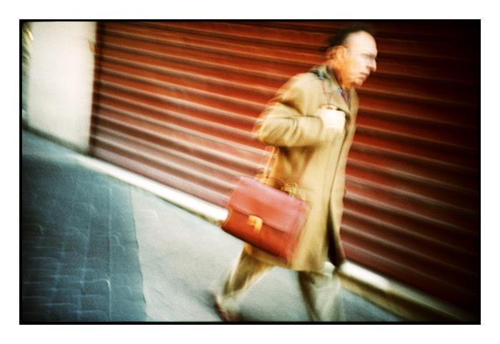 L'homme à la malette rouge