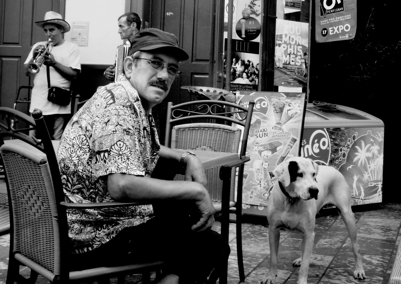 L'homme , le chien, la musique