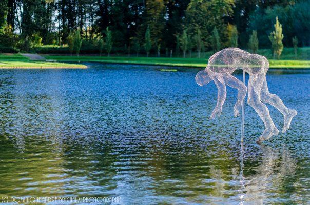 L'homme marchant sur l'eau