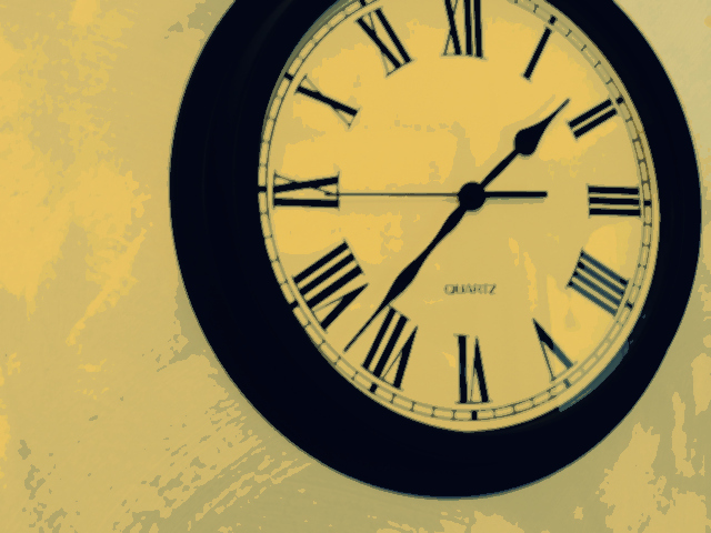 L'horloge tourne, certes, pas les souvenirs .
