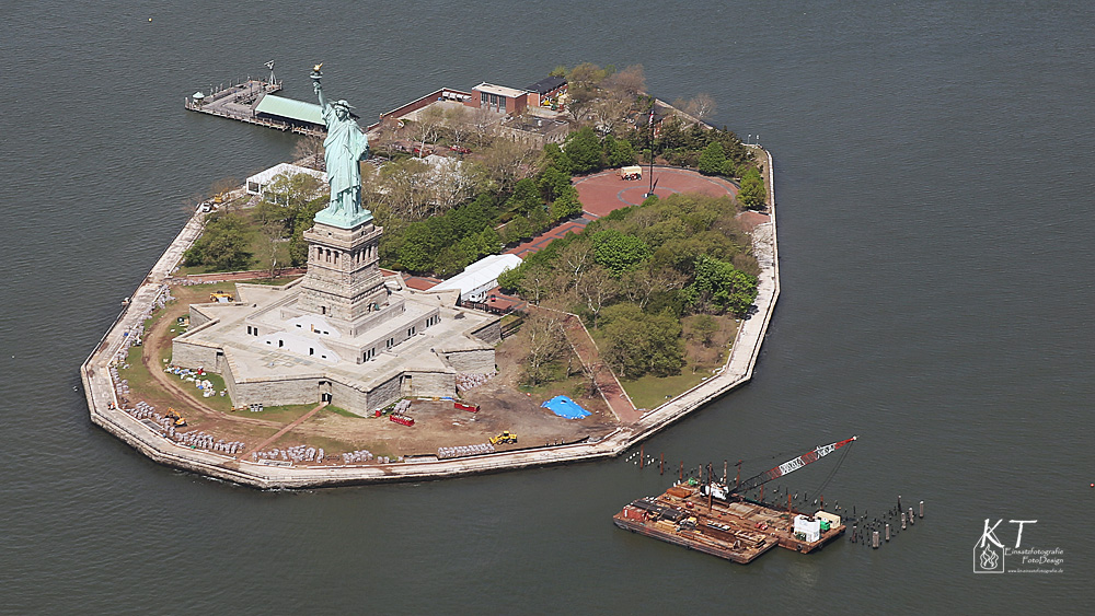 Liberty Island - Helicopterview....