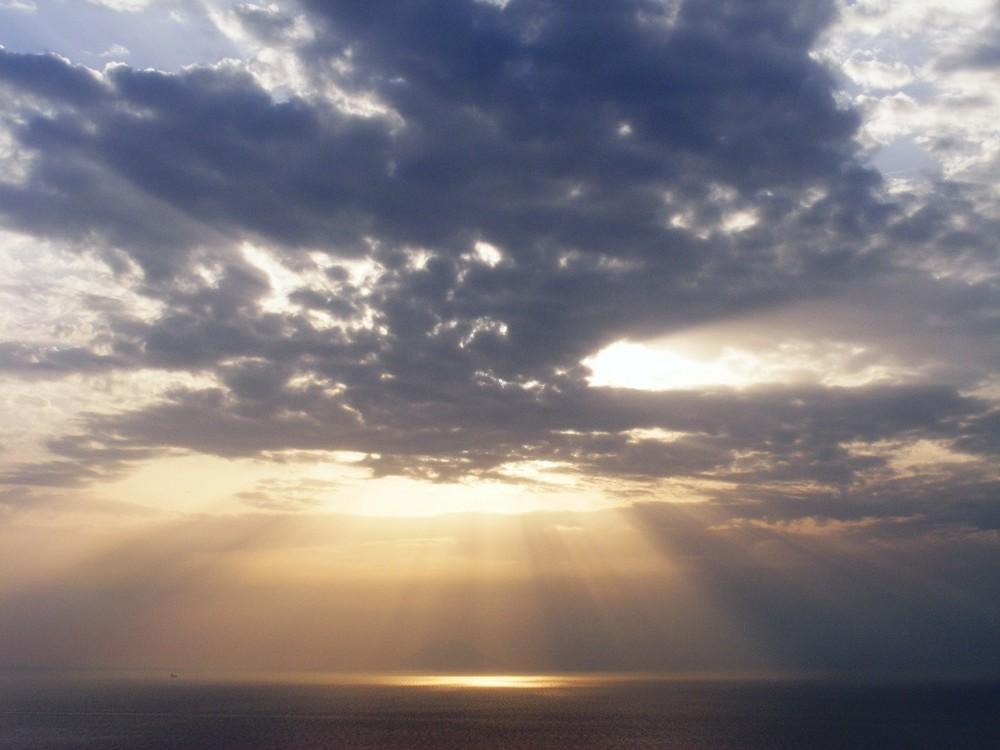 Licht das durch Wolken bricht