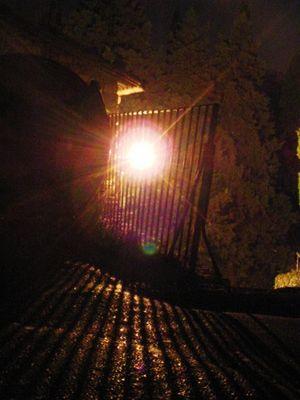 Licht durchs Gitter