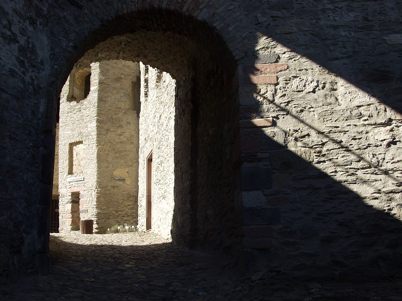 Licht im Schatten... (II)