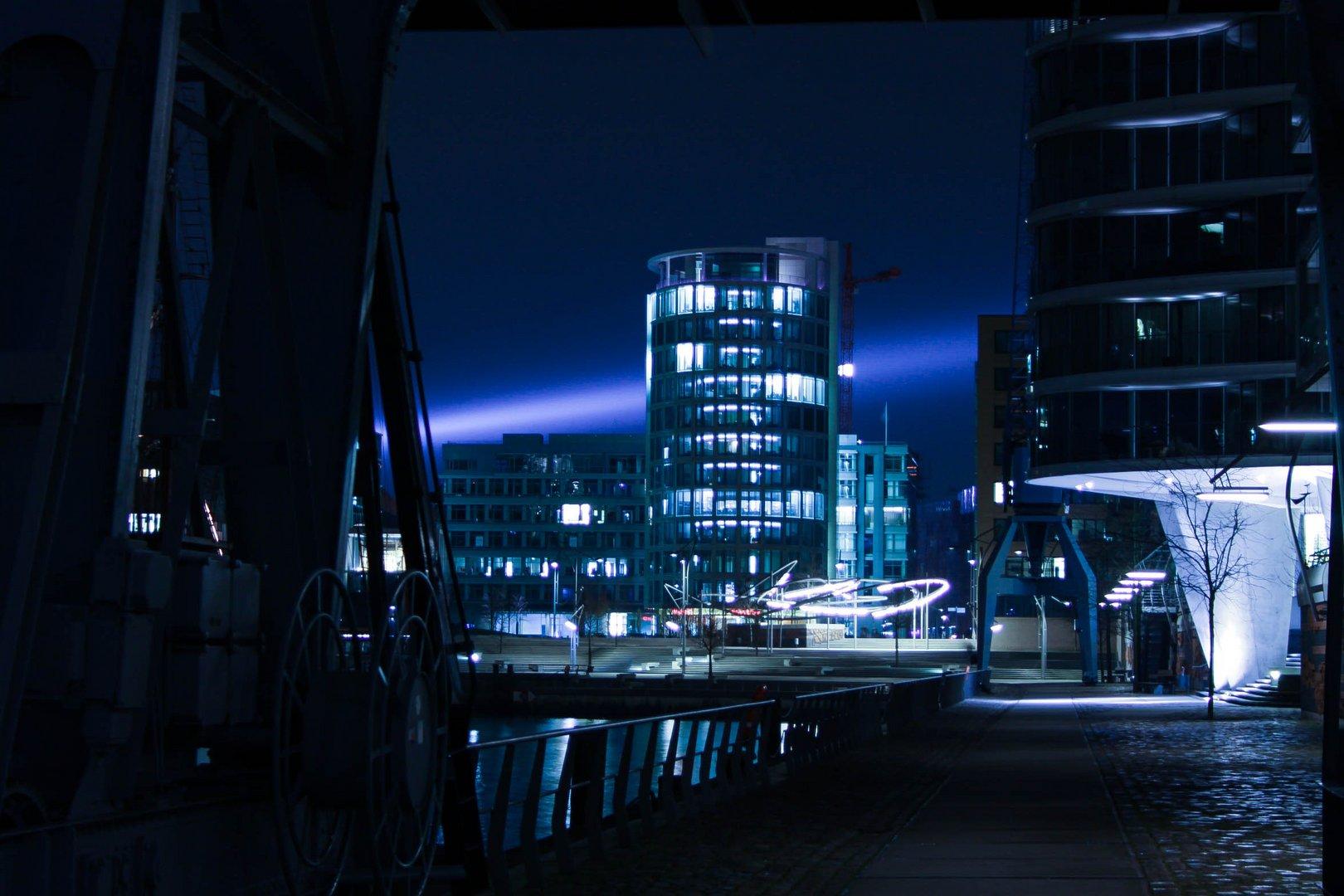 Licht in der Hamburger Hafencity- Blue blue