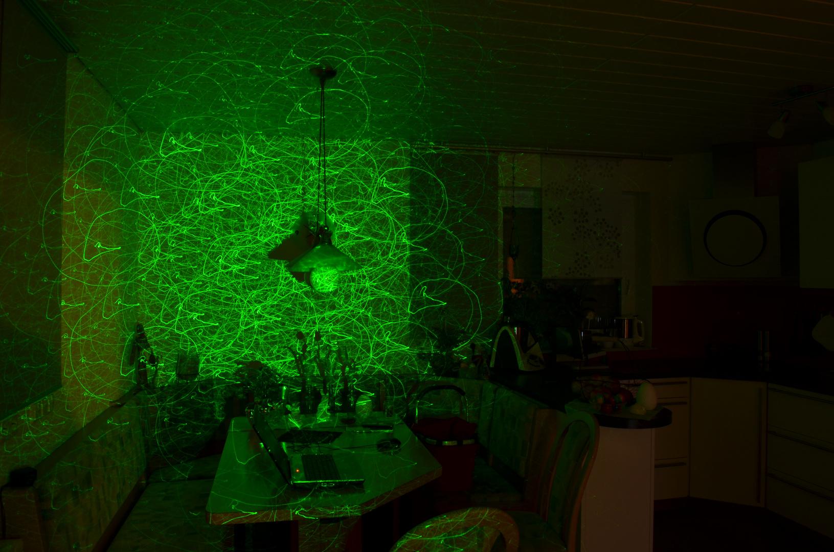 Licht und grüner Laser