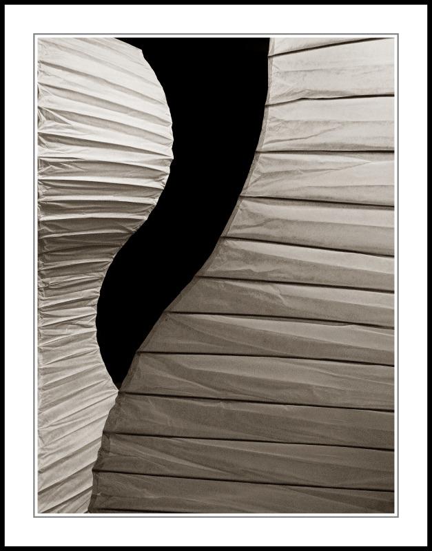 Licht und Schatten ~ Form und Bewegung, Schaufenster, Nürnberg 2004