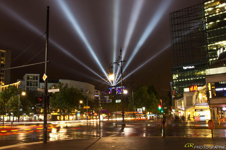 Lichtdach über Berlin