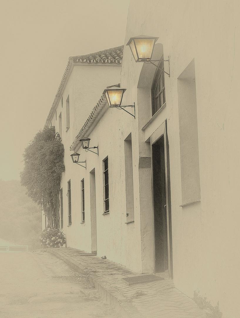 Lichter am Eingang der Hacienda