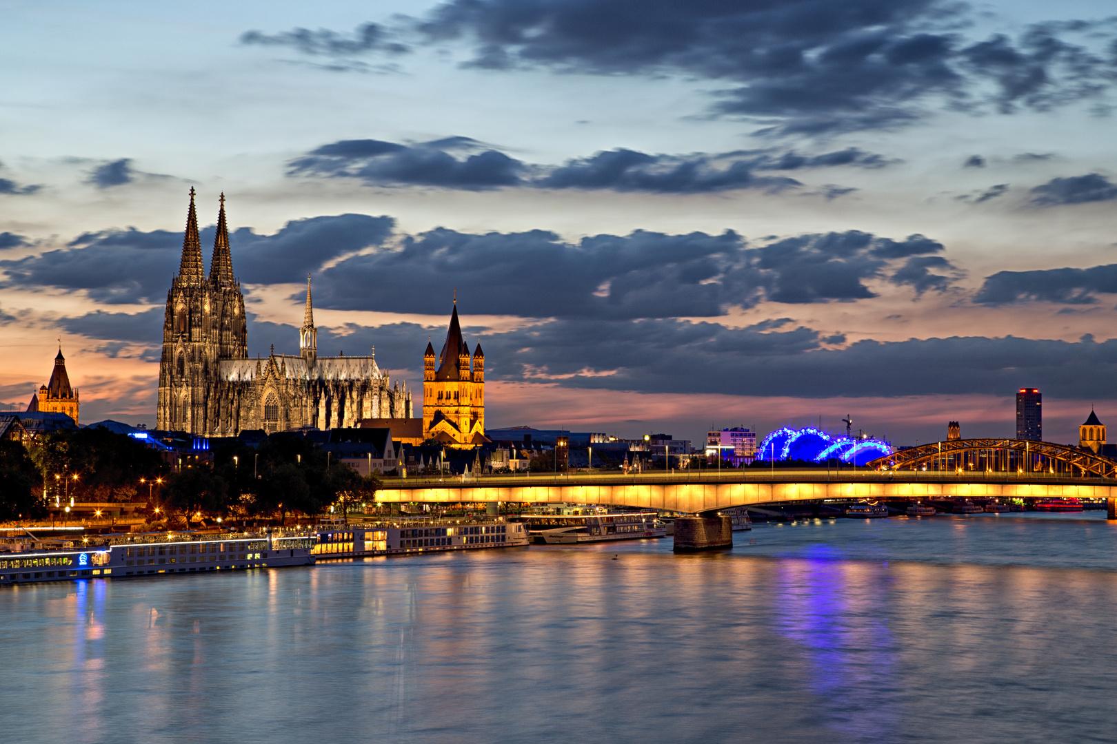 Lichter der Stadt - Skyline Köln