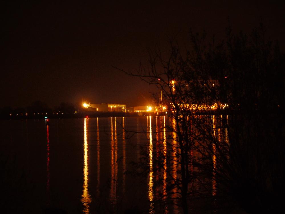 Lichter im Wasser