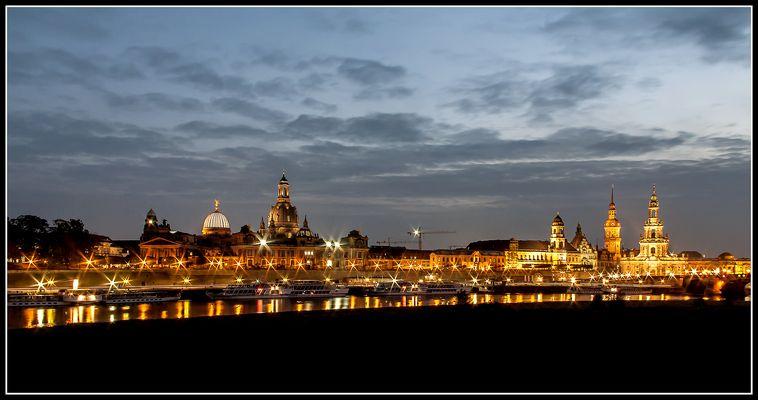 Lichterglanz an der Elbe