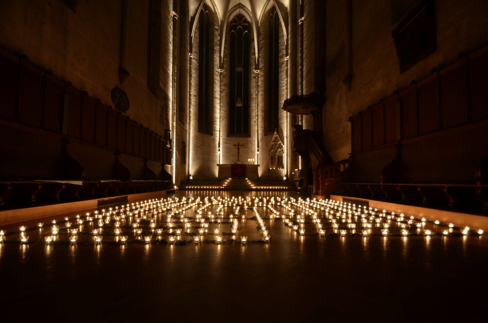 lichterlabyrinth foto bild weihnachten kirche nacht. Black Bedroom Furniture Sets. Home Design Ideas