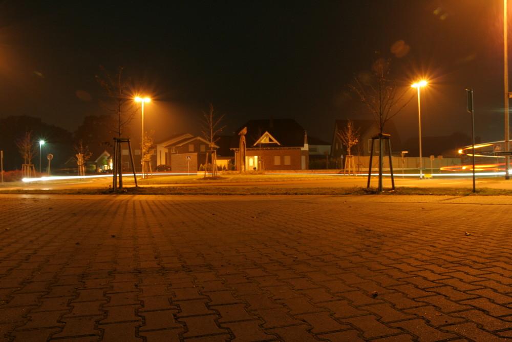 Lichtgeschwindigkeit im Kreisverkehr