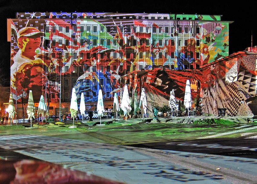 Lichtinstallation auf dem Kennedyplatz in Essen