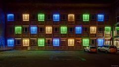 """Lichtinstallation """"Fensterfassade"""" von Peter Brdenk"""