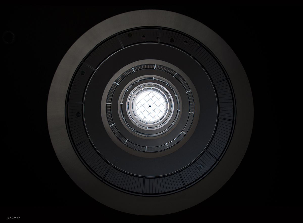 Lichtschacht mit sechs Etagen