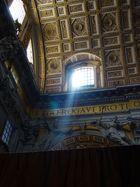 Lichtspiel im Petersdom