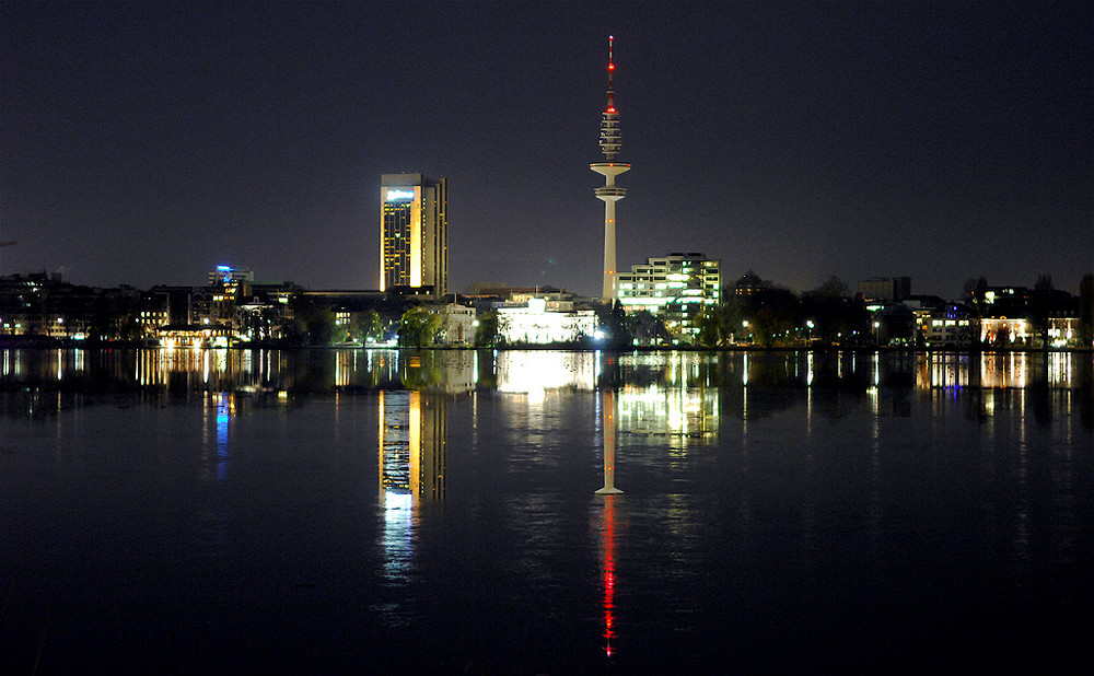 Lichtspiele Nachts - Hamburg Außenalsterpanoramma