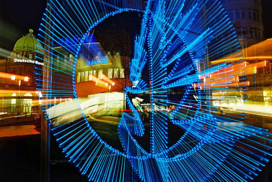 Lichtspielerei in der Essener City während der Lichtwochen