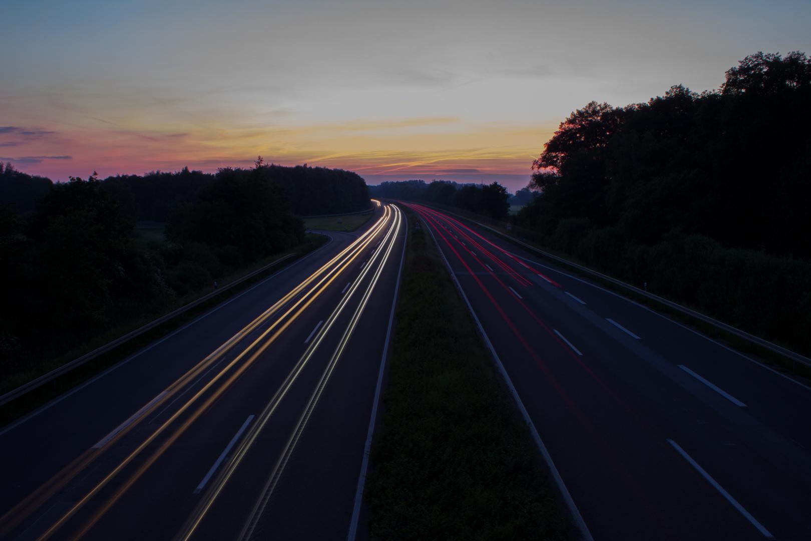 Lichtspuren Im Sonnenuntergang