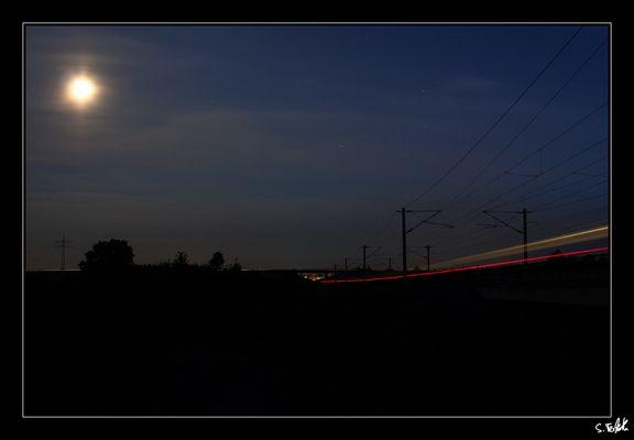 Lichtspuren im Vollmond