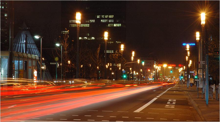 :: Lichtspuren in der Stadt ::