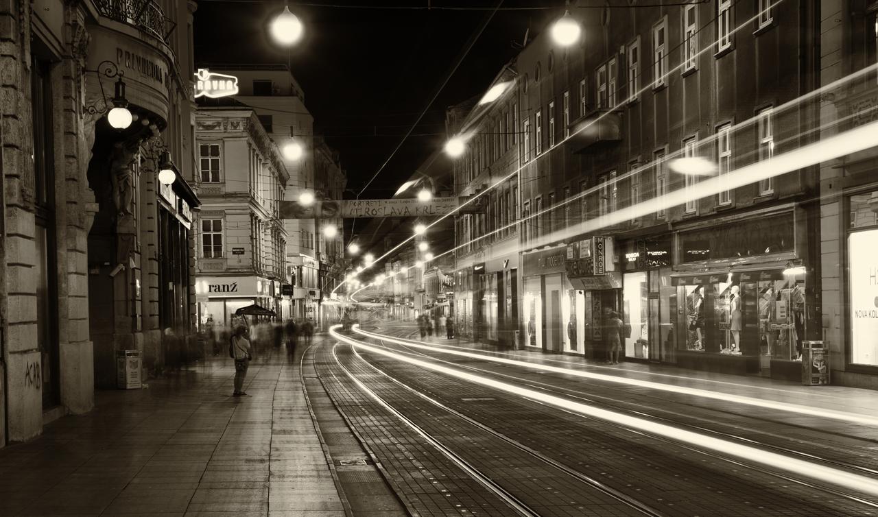 Lichtspuren in Zagreb