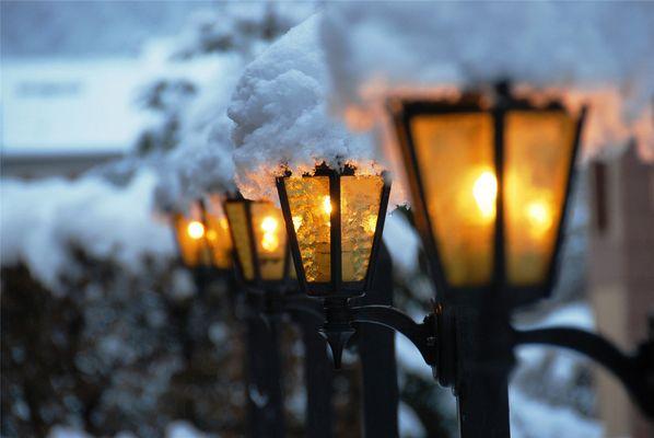 Lichtstimmung am Abend in Meiringen neben dem Sherlock Holmes Museum