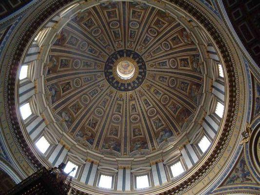 Lichtstrahl im Petersdom