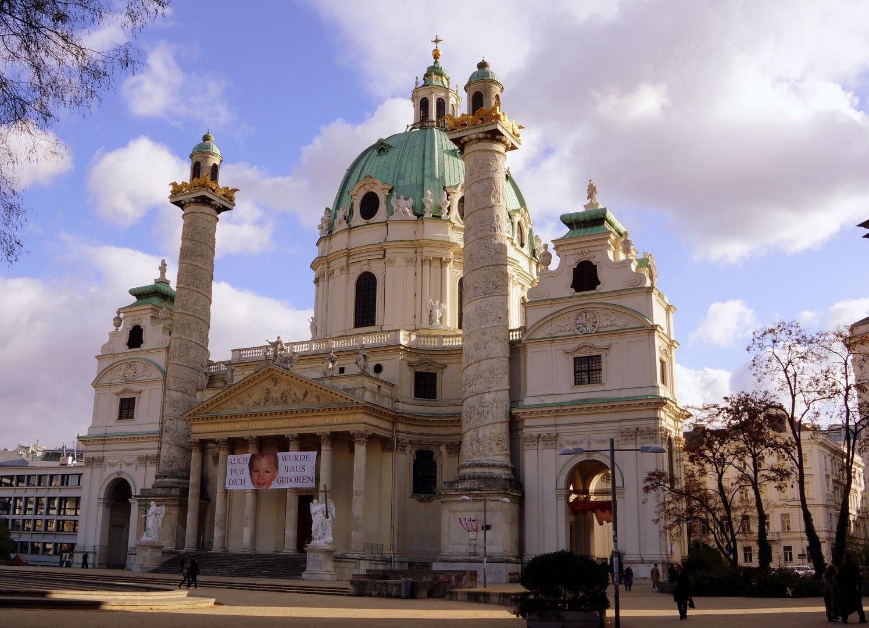 Liebe Grüße aus Wien von der Karlskirche
