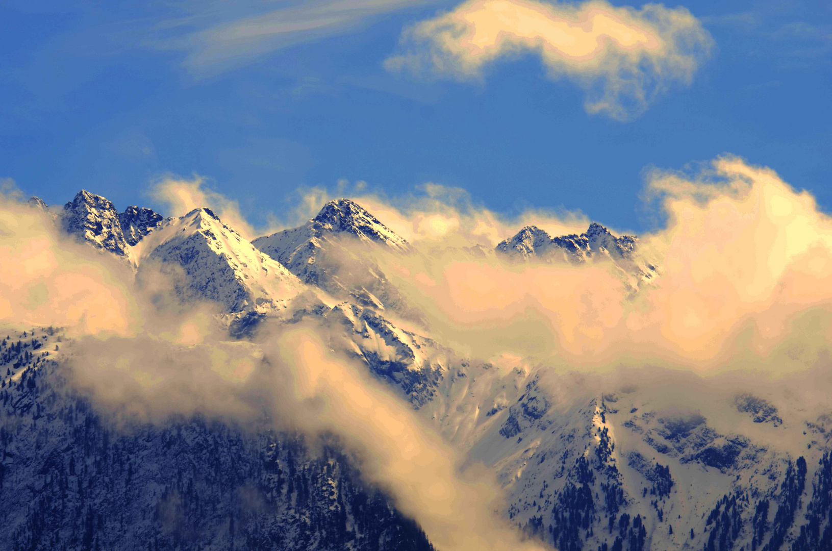 Liebe Ostergrüße von den Tiroler Bergen ...