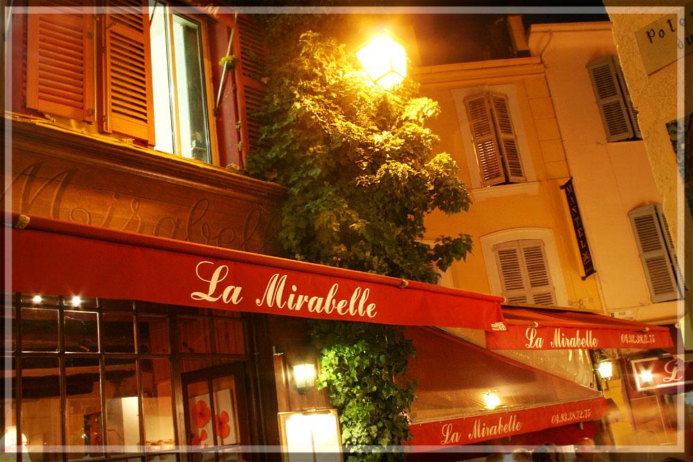 Liebevoll gestaltetes Restaurant in Cannes
