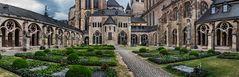 Liebfrauenkirche und Hoher Dom Sankt Peter zu Trier (2)