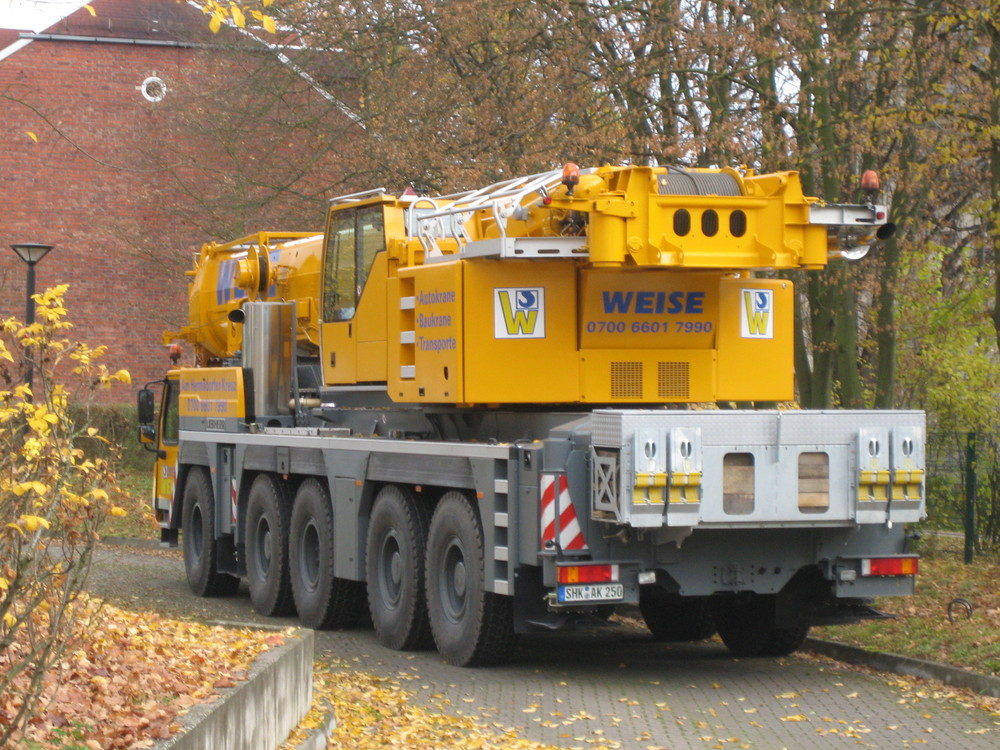 Liebherr LTM 1220