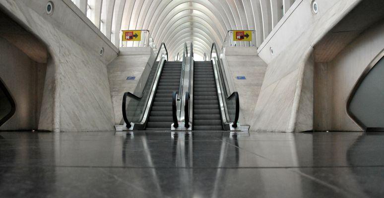 Liege-Guillemins Treppe 3