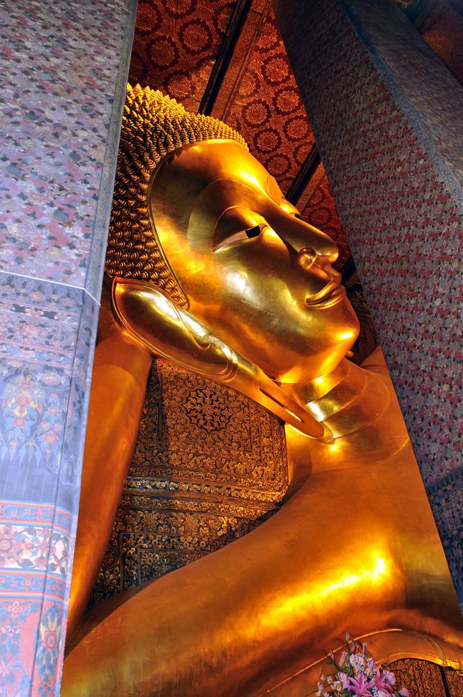 Liegender Buddha im Wat Po in Bangkok