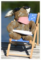 Liegt ein Hase am Baggersee in seinem Liegestuhl, raucht einen Tsoint, .......